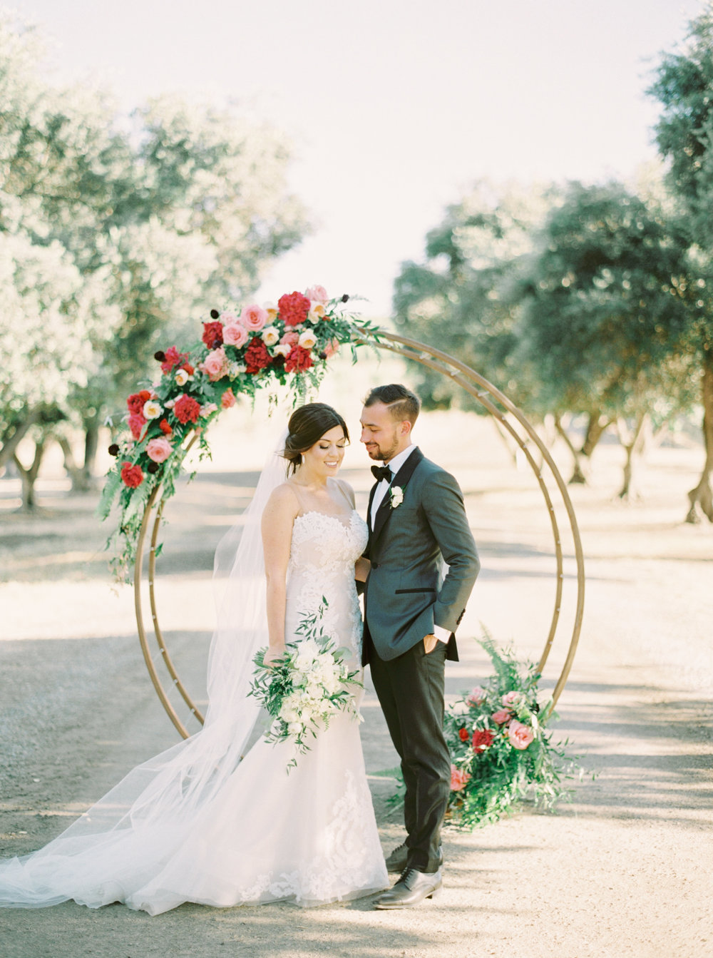 Wente Wedding featured on RuffledBlog - https://ruffledblog.com/modern-vineyard-wedding-whimsical-burgundy/