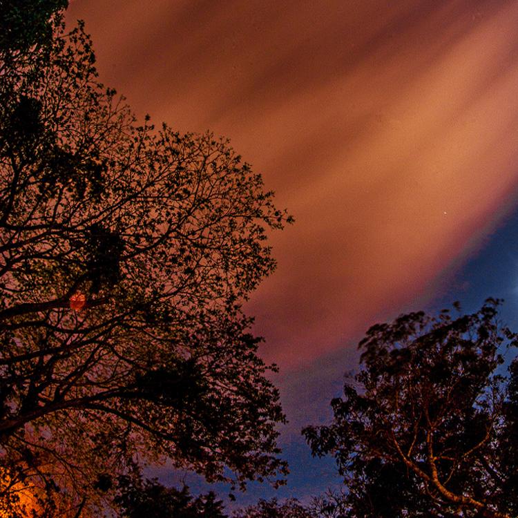(inserta frase intensa de nubes moviéndose) //  jonathan xavier // 240 minutos.