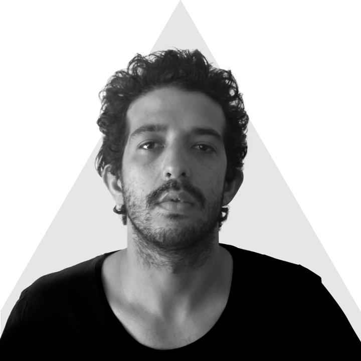nombre_ matías toro  // medio_ilustración // edad_28.