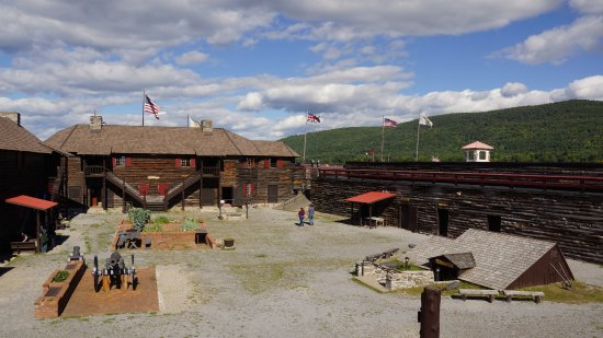 inside-fort-william-henry.jpg