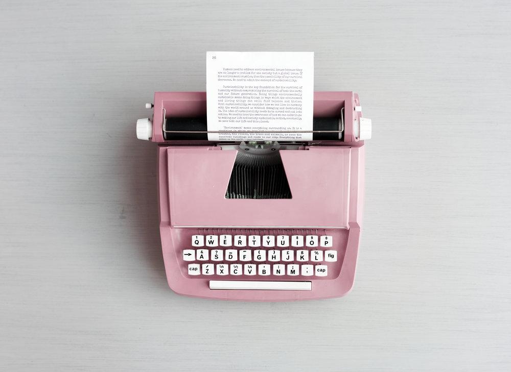 typewriter-rawpixel-k-p-190-chim-007021-id-92034-jpeg.jpg