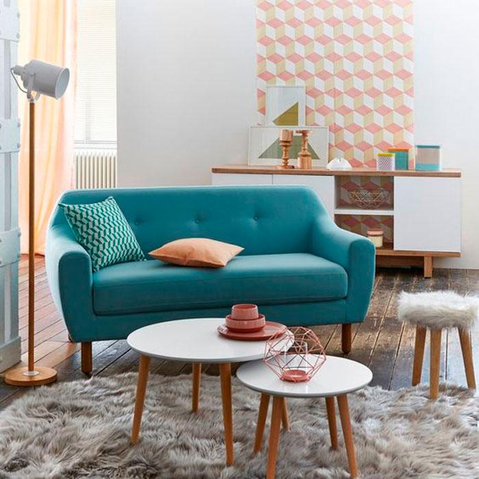 salon-pequeñó-sofa-azul
