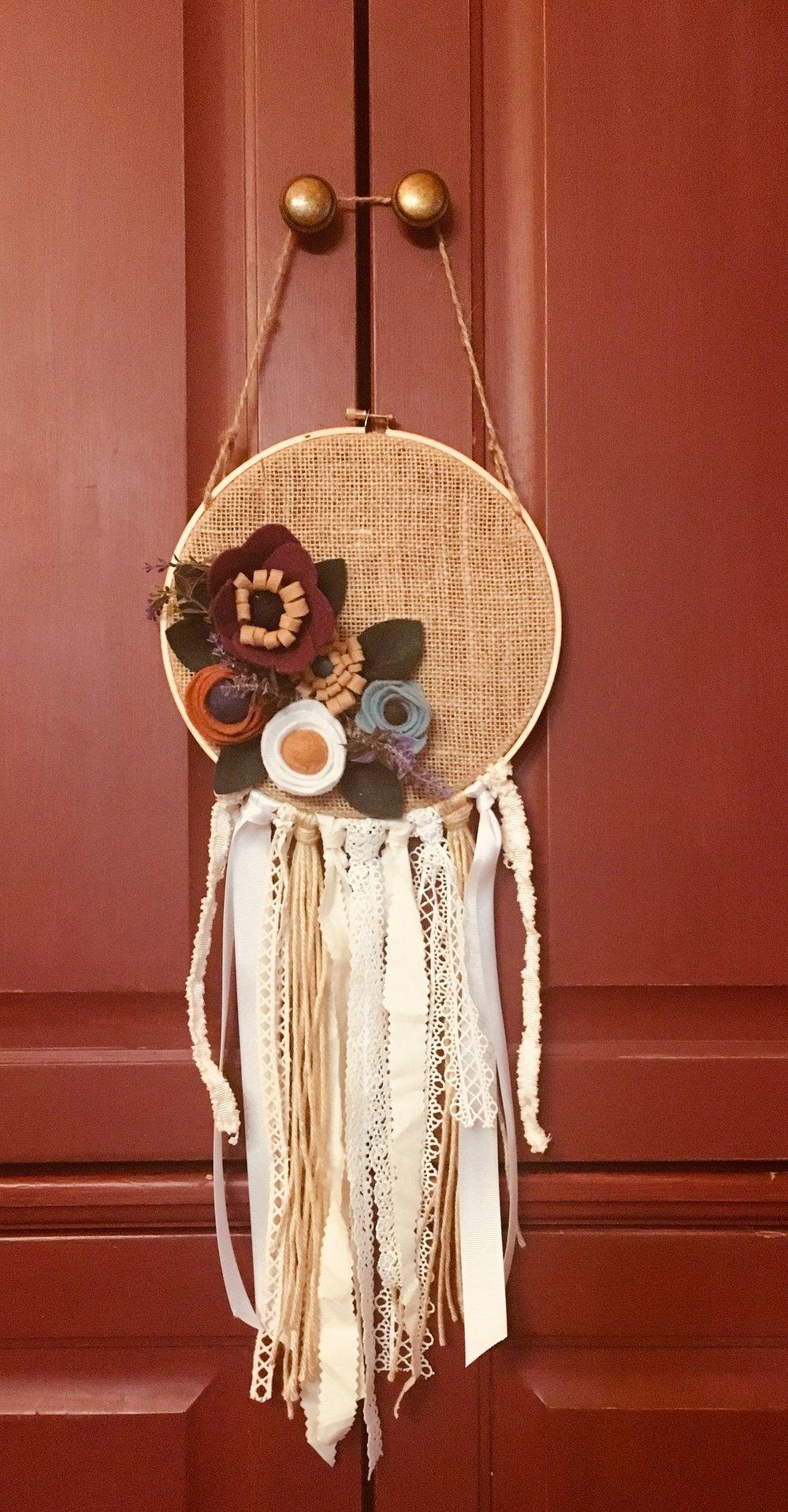 "8"" Flet Flower & Burlap Wall Hanging"