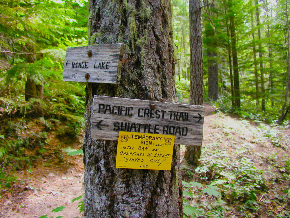 trail signs.JPG