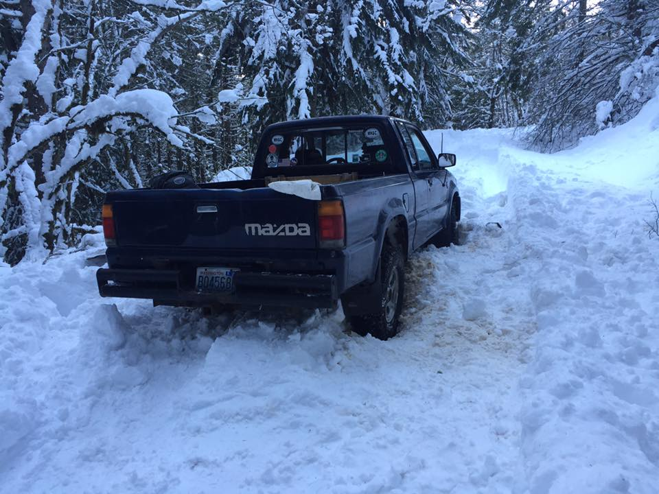 Hadley's truck... The first stuck rig on 9030 this day.