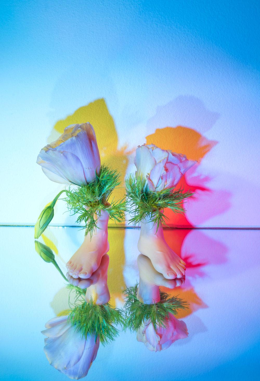 feet-vase-1.jpg