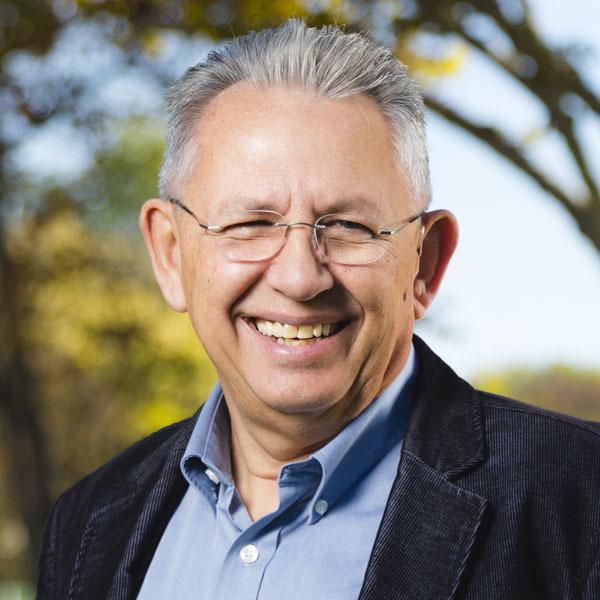 Dr. Gary L. McIntosh