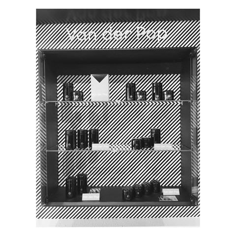 van der pop up wall uncle ikes.jpg