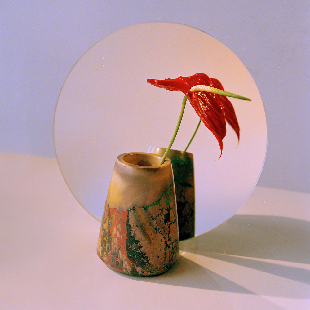 vdp-2019-accessorize-concrete-cat-vase.jpg