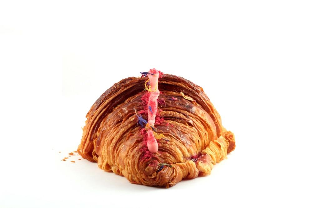 Ispahan Croissant 2.jpg