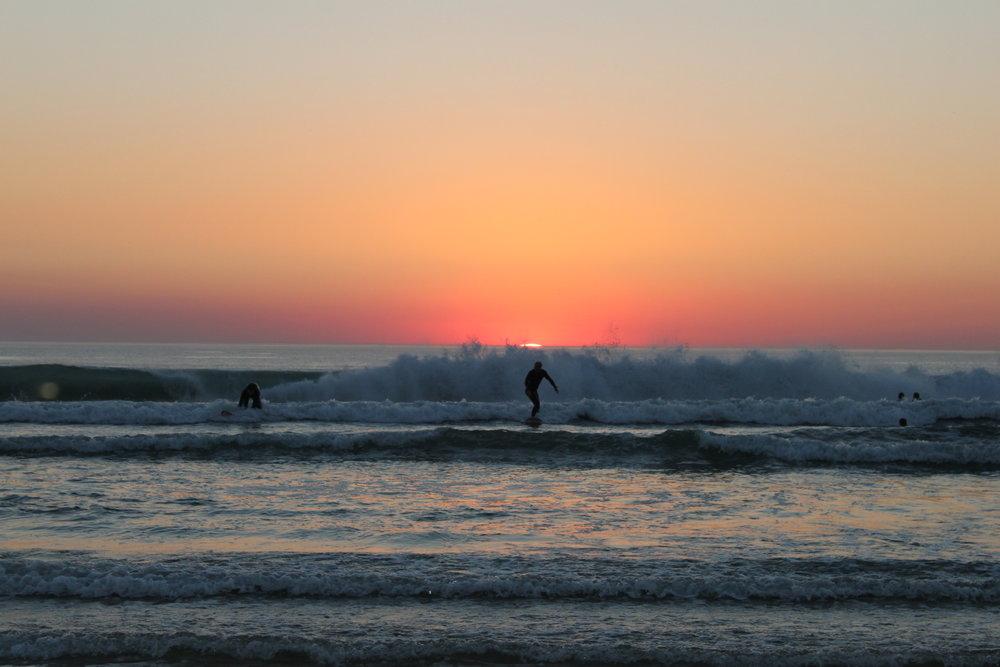 SurfaWhile8.JPG