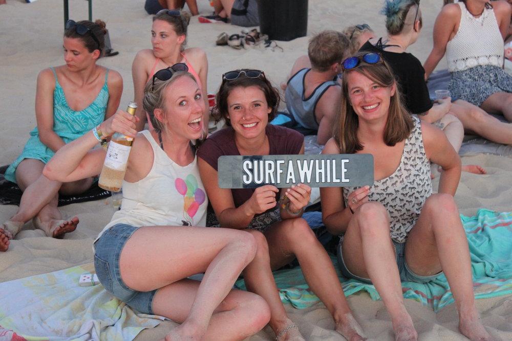 SurfaWhile3.JPG
