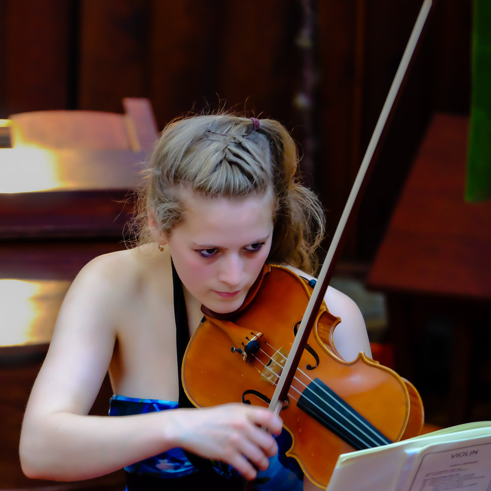 Ellebeth Little gave a lunchtime recital in the URC on 6th July.
