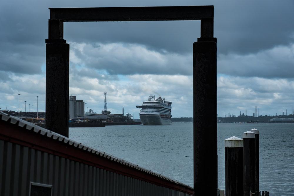 A cruise liner turns round.jpg