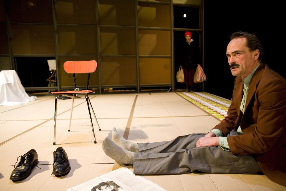 Wouter van Lierde en Lonneke Dapiran spelen In Dusiternis van theatergroep Suburbia