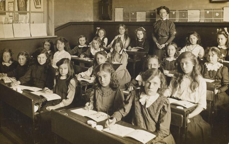 Victorian schoolroom.jpg