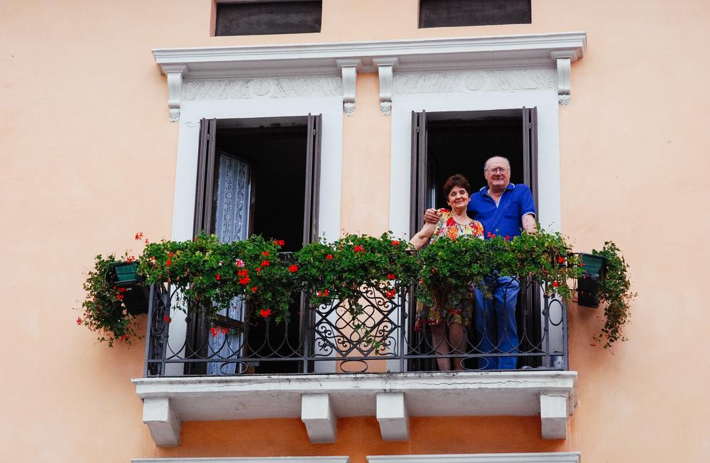 Italy-Couple.jpg