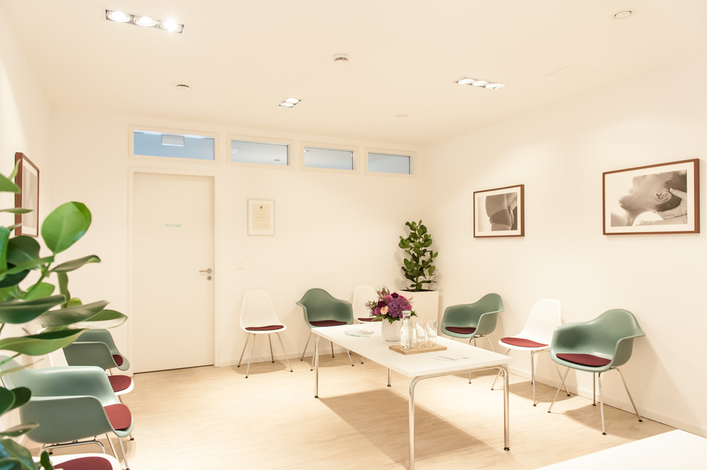 Wartezimmer - Waiting room. Kate Seabrook Photography