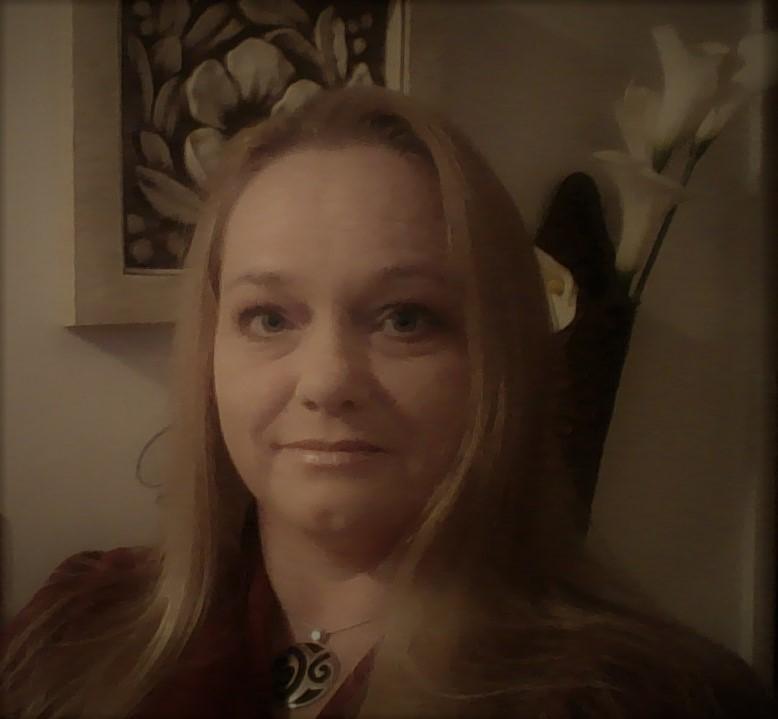 Jessy Ellefson, Ecommerce Accountant
