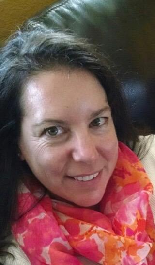 Suzanne McNulla, Ecommerce Controller