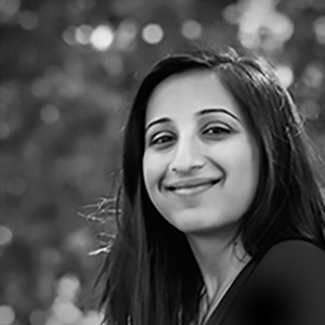 Sonia Malhotra - Business Development As an expert in business development with a track record in helping companies grow, Sonia is the key architect behind the ArcLighter project. Her in-depth knowledge and experience in manufacturing in Asia is the bridge that makes our ideas come to life.