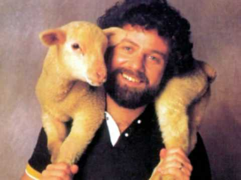 This lamb pic would have gotten Keith so many Facebook likes.