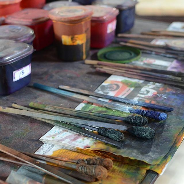 Brushes and sticks for painting batik. My final piece didn't turn out as I'd hoped, but it's all part of the fun.  #art #painting #process #batik #brushes #paint #ubud #bali #artistlife #artistsoninatagram