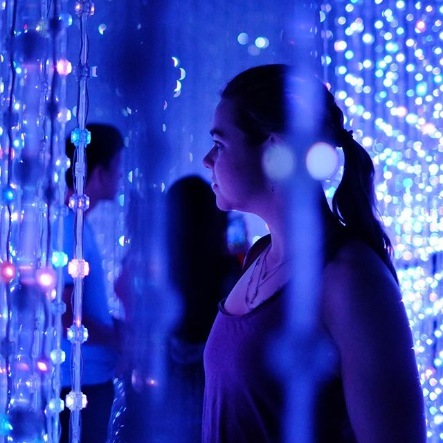 Where art meets science... Throwback to a few months ago at the beautiful Future World exhibit in Singapore. Photo by my travel buddy @papercutpanic  #art #light #travel #artsciencemuseum #singapore