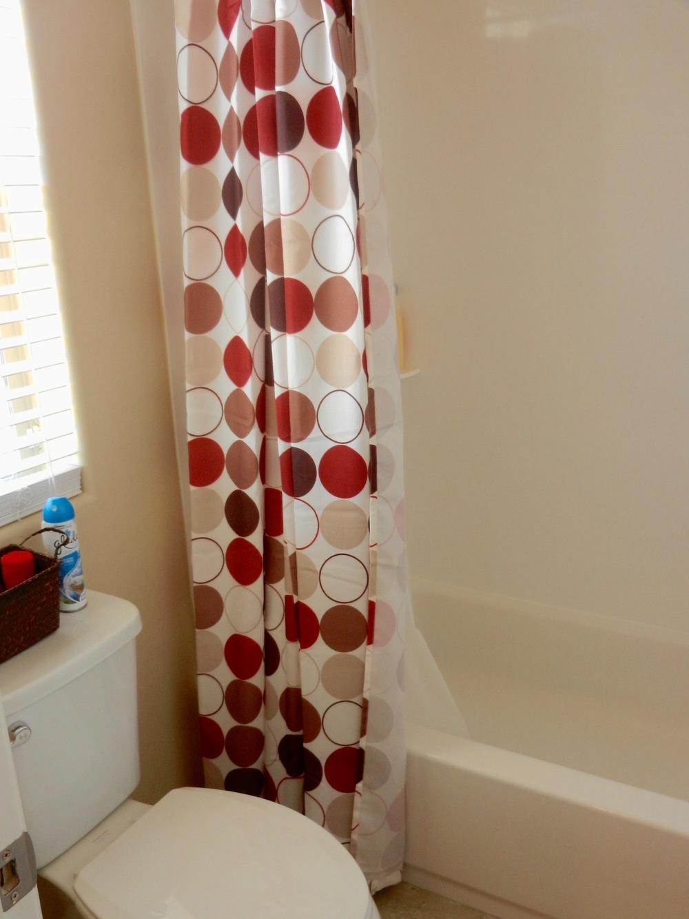 152 upstairs bath.jpg
