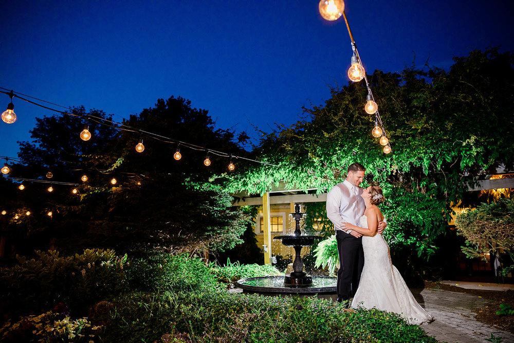 Bedford-Village-Inn-Wedding-Photographer