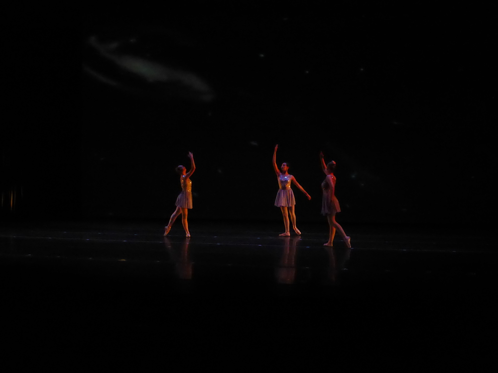 dancers-on-stage.jpg