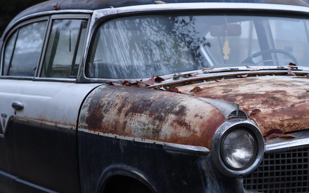 front-of-vintage-car.jpg