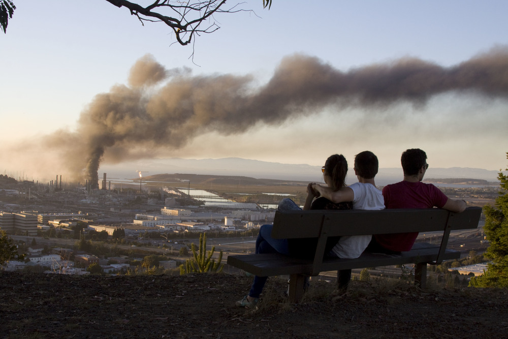 Refinery fire_114.jpg