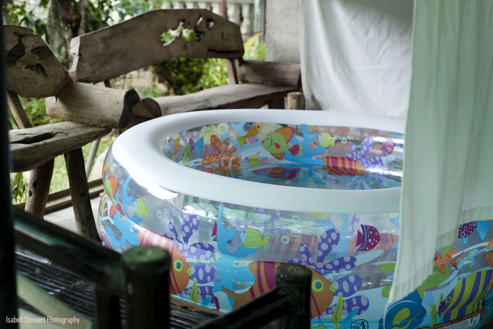 A-beautiful-birth-story-in-philippines-outdoor-tub