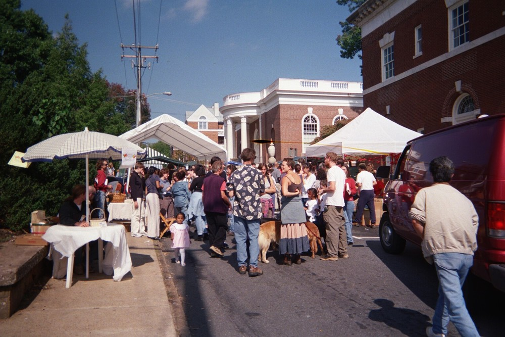 Crowds awaiting food at the 2000 veggie festival - photo courtesy of Marianne Roberts