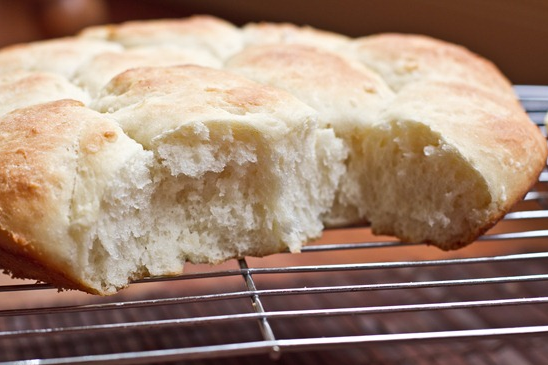 Vegan Fluffy White Dinner Rolls