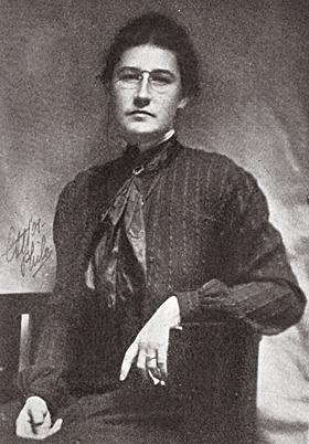 Jessie_Willcox_Smith,_photograph_estimate_1880-1910.jpg