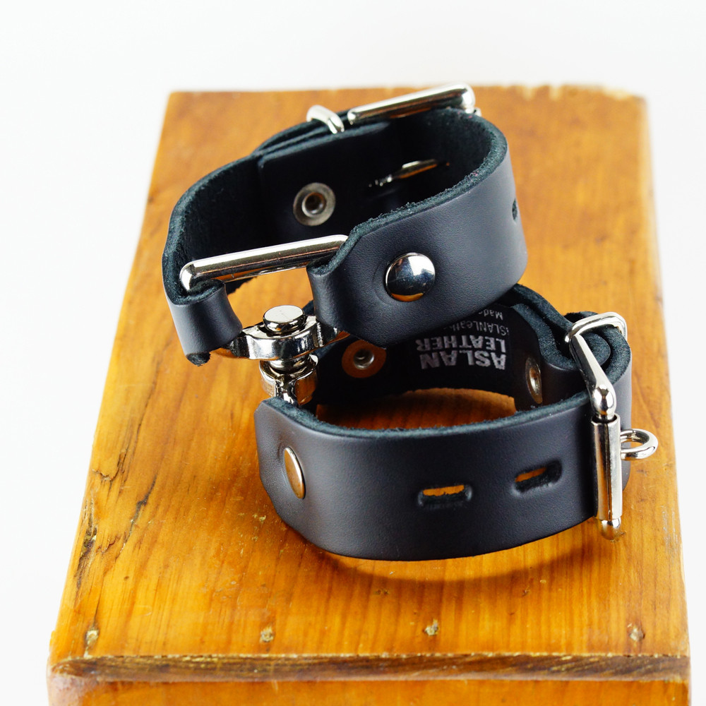 aslan_handy_cuffs_black_1024x1024.jpg