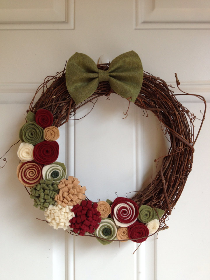 28-Fascinating-Handmade-Christmas-Wreath-Designs-28.jpg