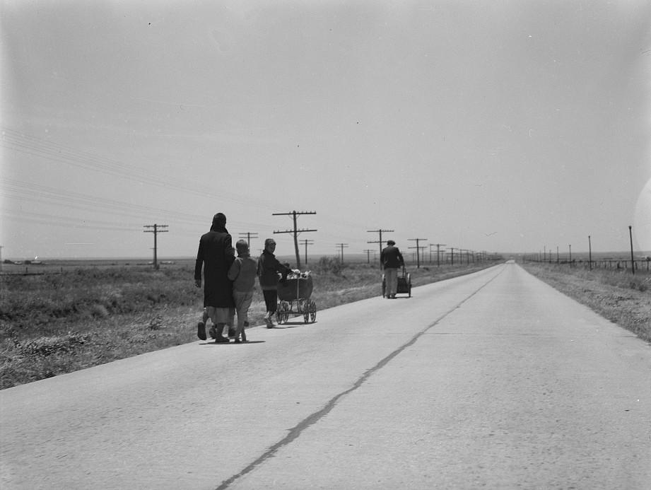 Flood-refugee-family-near-Memphis-Texas-by-photographer-Dorothea-Lange-June-1937-5-e1413677801140.jpg