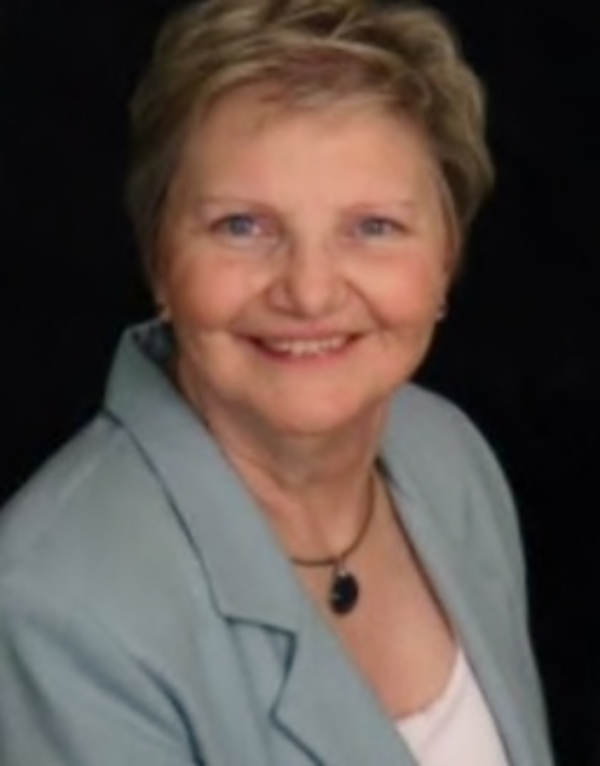 Immediate Past President Elizabeth Moore, CMA (AAMA)