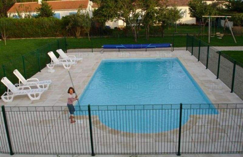 Understanding Pool Fencing Compliance Regulations in Australia — My ...