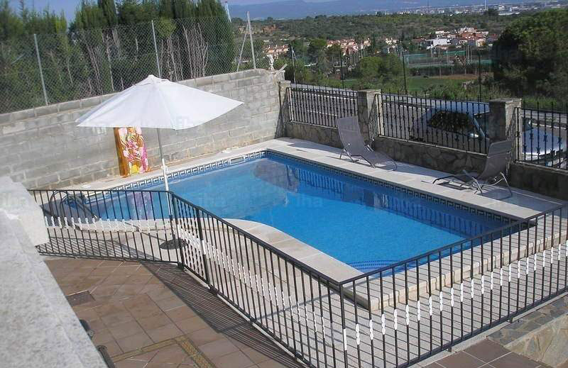 How To Keep Your Loved Ones Safe Around Swimming Pools My Pool