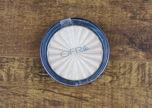 BoxyCharm-April-2017-OFRA-Rodeo Drive Highlighter1.jpg