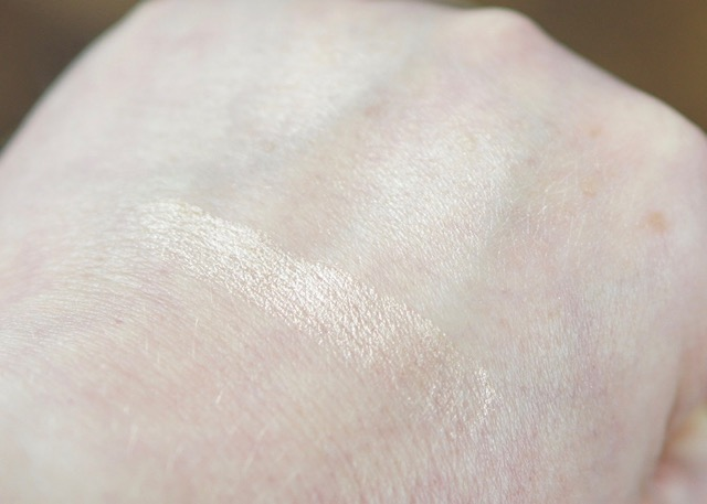 BoxyCharm-April-2017-OFRA-Rodeo Drive Highlighter-swatch5.jpg
