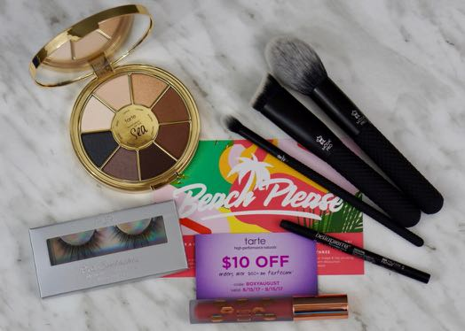 In the August 'Beach Please' box I received products from Tarte, Royal & Langnickel, PUR, Bellapierre, and The Beauty Crop.