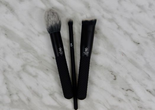 BoxyCharm-August 2017-Beach Please-MODA Pro-Brushes1.jpg