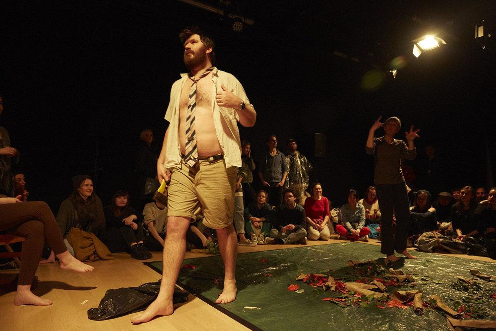 Daniel Oliver in Weird Seance. Interpreter Kyra Pollitt. Image by Manuel Vason.