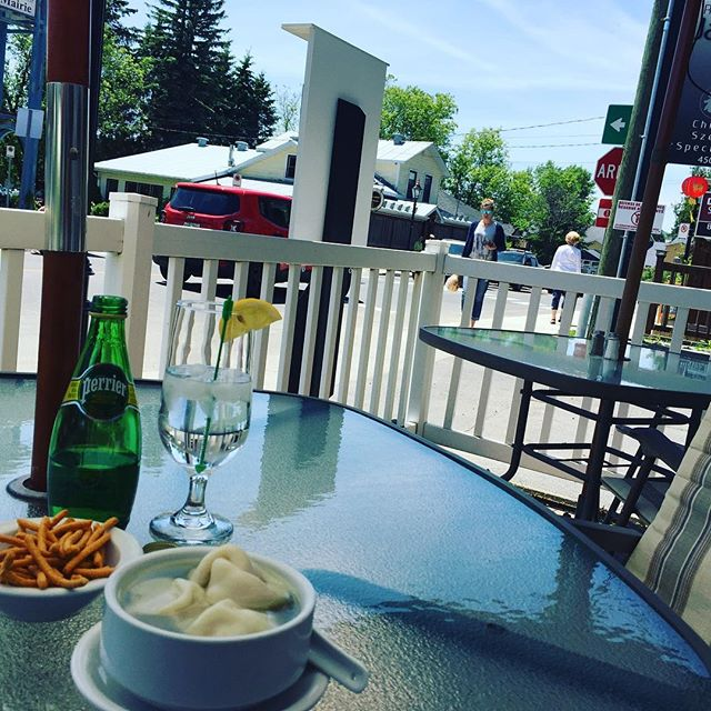 Lunch time! #lejardinlee #chinesefood #laurentides #stsauveur #wontonsoup