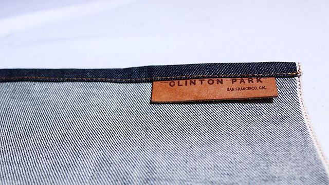 Label on our #denim work apron. 🔸🔷 • #leather #apron #selvedge #rawdenim #workwear #menswear  #ConeMills #WhiteOak #label #handmade #handcrafted #madeinUSA #madeinSF #clintonparksf
